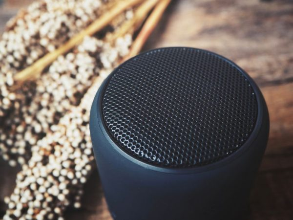 Portable speakers are very popular because they are so easy to use. (Source: Photodee: 82411236/ 123rf.com)