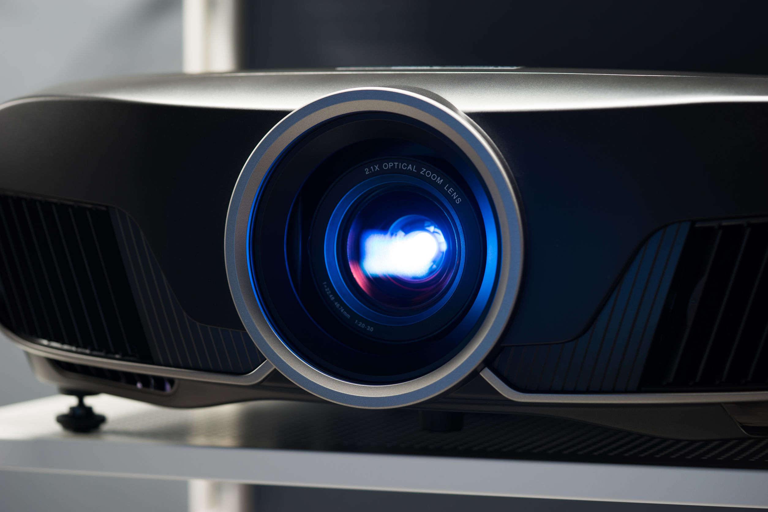 Best 3D Projector 2020: Shopping Guide & Review